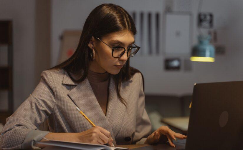 Lei sobre e-mail corporativo: quais as regras jurídicas aplicáveis?
